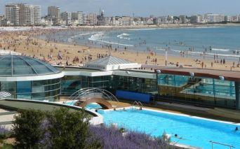 Schwimmbäder von Meerwasser