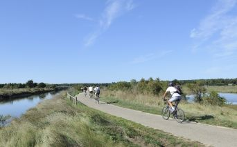 Radfahrer, Mountainbiker, Reiter in Les Sables d'Olonne in der Vendée - copyright Beltrami