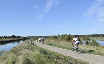 Radfahrer, Mountainbiker, Reiter in Les Sables d'Olonne in der Vendée - copyright Beltrami