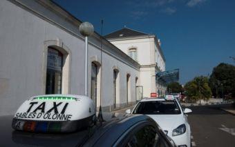 taxi-gare-credit-antoine-martineau